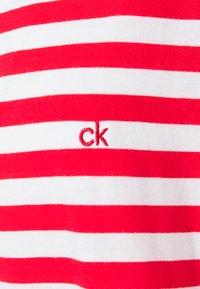 Calvin Klein - LOGO STRIPE - Print T-shirt - red glare/bright white - 2