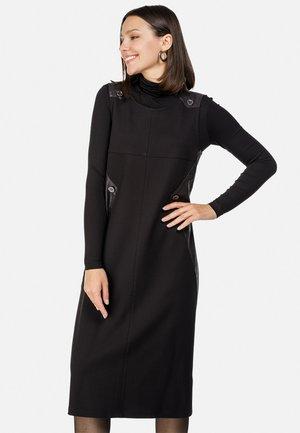 TRAGERKLEID - Jumper dress - schwarz
