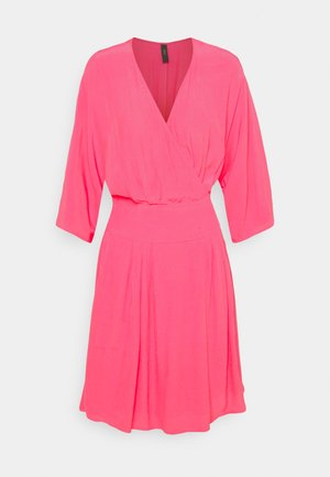 YASELIVO DRESS - Day dress - fandango pink