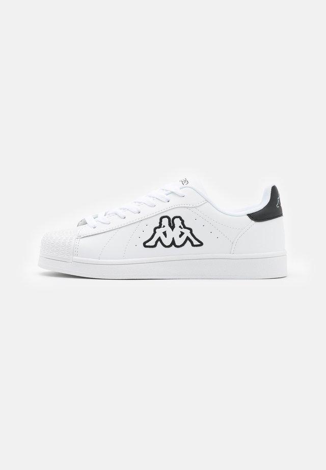 CHARDOR UNISEX - Chaussures d'entraînement et de fitness - white/black