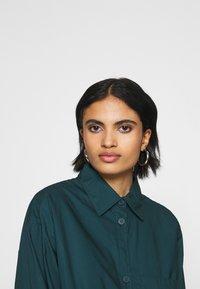 Monki - CAROL DRESS - Košilové šaty - dark green - 3