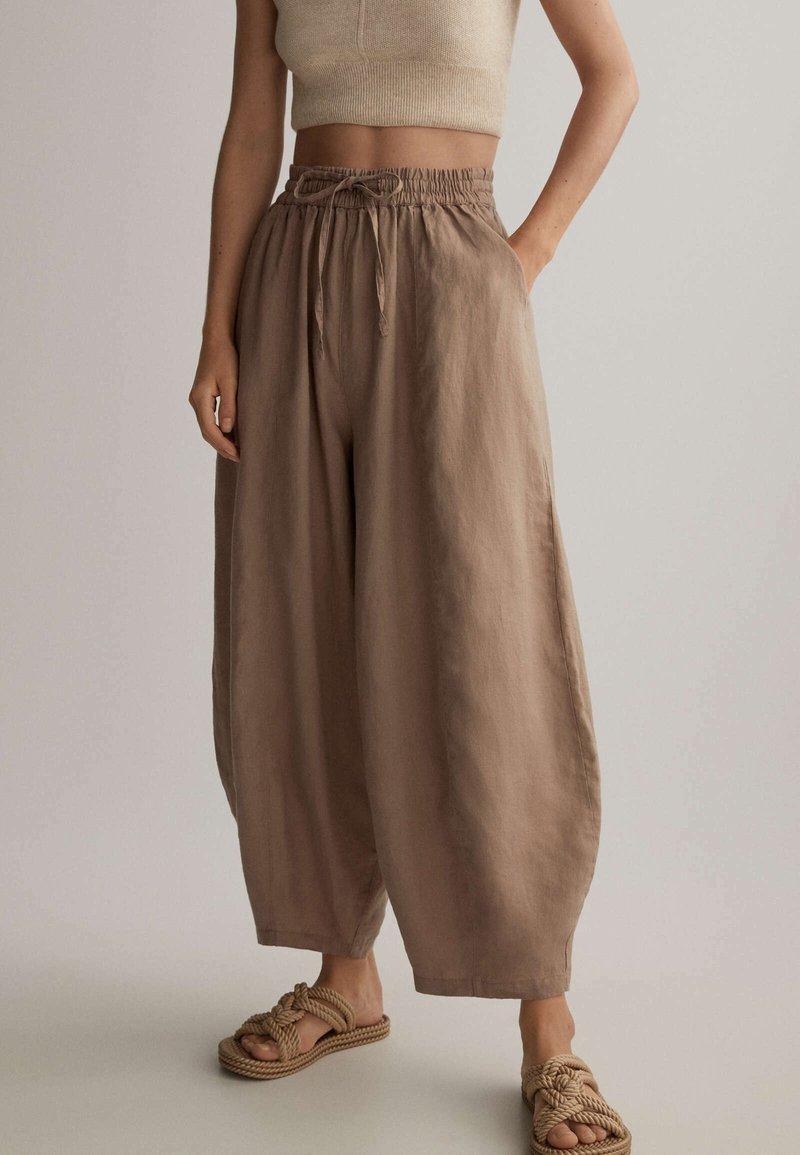 OYSHO - Kalhoty - brown