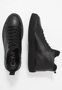 Calvin Klein - ERVE - Sneakersy wysokie - black - 1