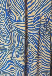 Vero Moda - VMGEA CALF SKIRT - A-line skirt - dazzling blue - 2