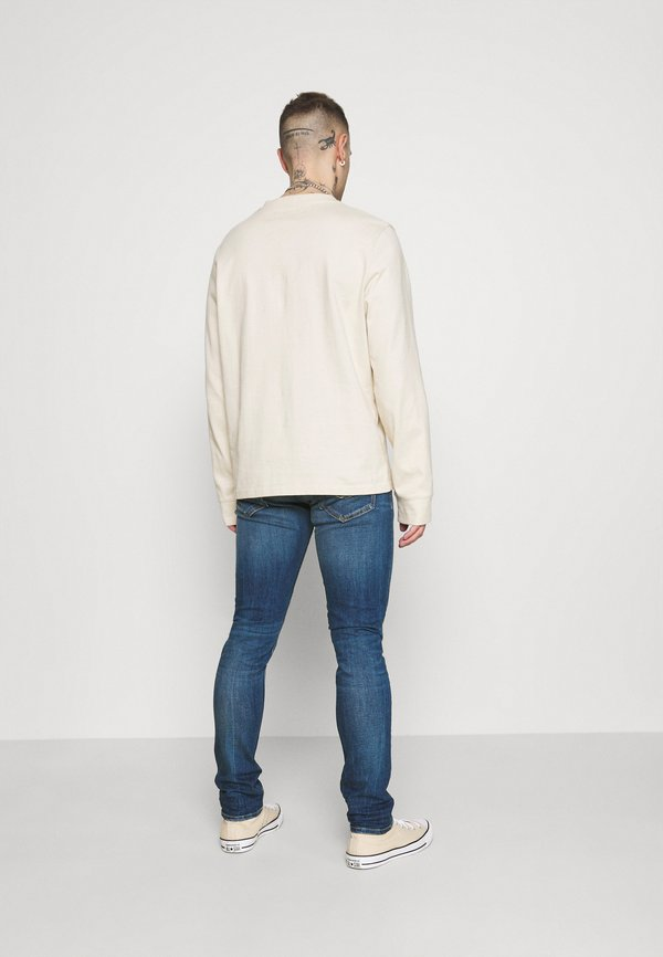 Replay JOHNFRUS - Jeansy Slim Fit - medium blue/niebieski denim Odzież Męska RVSX