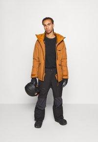 O'Neill - UTLTY JACKET - Snowboard jacket - glazed ginger - 1