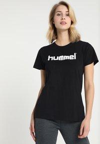 Hummel - HMLGO  - T-shirt z nadrukiem - black - 0