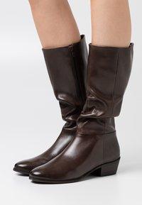 Steven New York - SOLANGE - Vysoká obuv - dark brown - 0