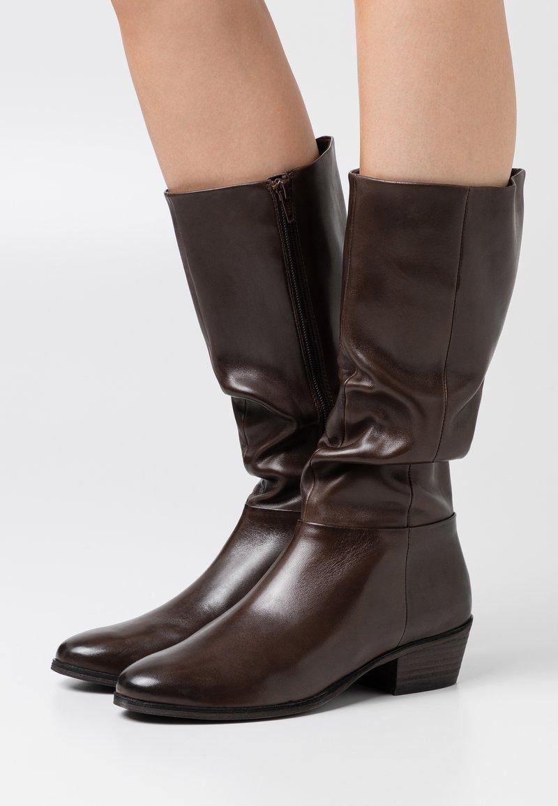 Steven New York - SOLANGE - Vysoká obuv - dark brown