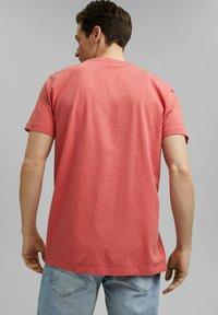Esprit - SLIM FIT - Basic T-shirt - coral red - 2
