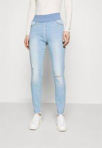 Freequent - FQSHANTAL ANKLE BROKEN - Jeans slim fit - bleached blue denim - 0