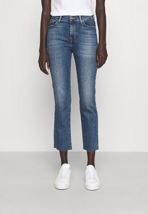 THE STRAIGHT CROP SOHO LIGHT WITH RAW CUT - Straight leg jeans - light blue