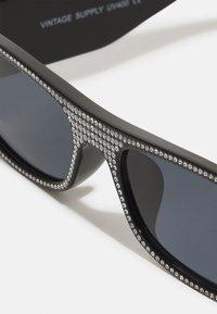 Vintage Supply - UNISEX - Sonnenbrille - black rhinestone - 3