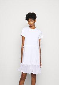 See by Chloé - Žerzejové šaty - white powder - 0