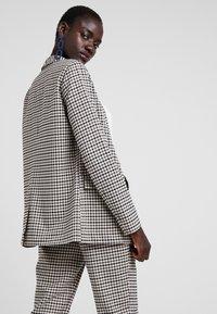 ONLY Tall - ONLLENA LONG - Short coat - grape leaf/black/cream pink - 2