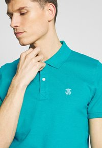 Selected Homme - SLHARO EMBROIDERY - Polo shirt - quetzal green - 4