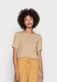 Marc O'Polo - SHORT SLEEVE BOAT NECK - Print T-shirt - multi/sweet corn - 0