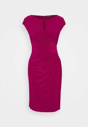 MID WEIGHT DRESS - Pouzdrové šaty - modern dahlia