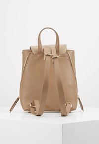 Pieces - PCEMMA BACKPACK - Rucksack - toasted coconut - 3