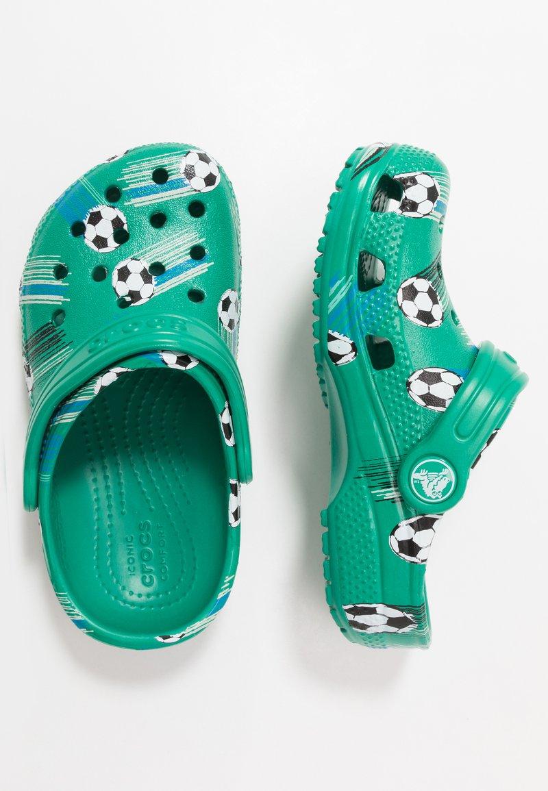 Crocs - CLASSIC SPORT BALL - Pool slides - deep green