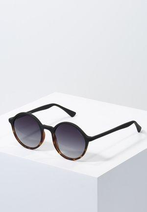 MADISON - Aurinkolasit - matte black/tortoise