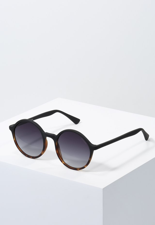 MADISON - Zonnebril - matte black/tortoise