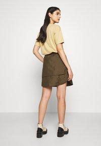 Han Kjøbenhavn - LAYER SKIRT - A-line skirt - dusty brown - 2