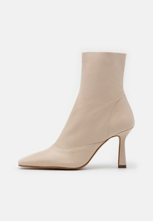 ARIA CHISEL TOE - High heeled ankle boots - vanilla