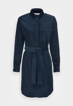 DRESS RELAXED STYLE CHEST POCKET BELTED - Sukienka koszulowa - breezy sea