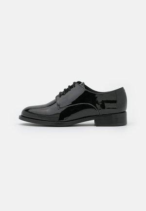 OLAYA VEGAN - Zapatos de vestir - black