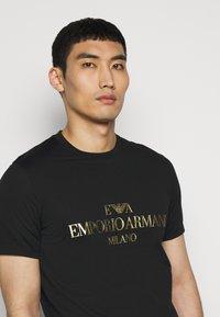 Emporio Armani - T-shirt print - black - 4