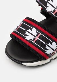 Dsquared2 - UNISEX - Sandals - black/red - 5