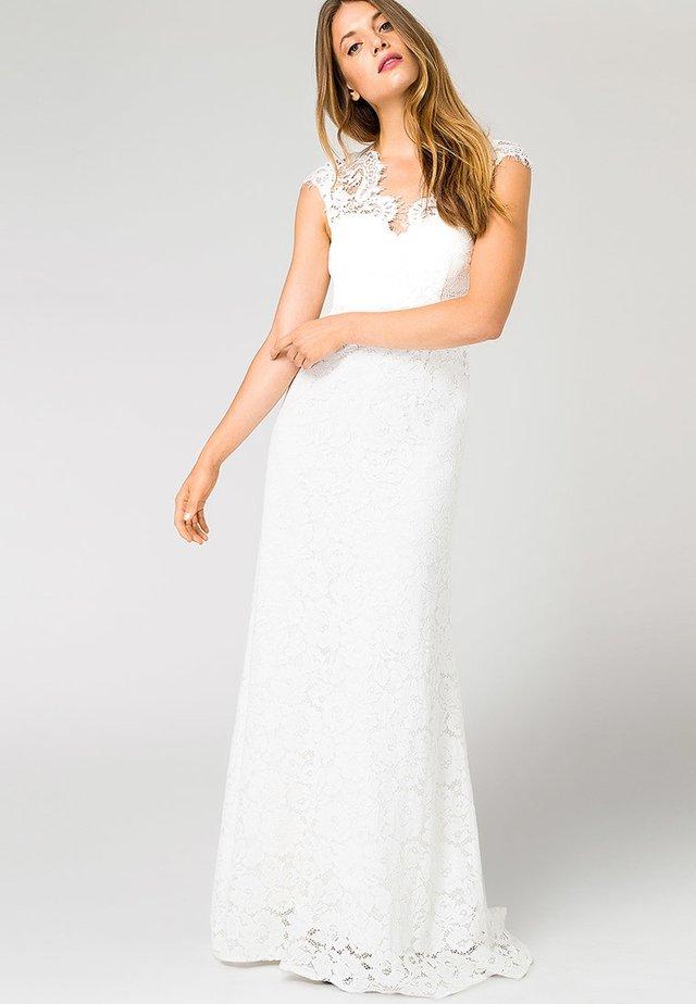 Společenské šaty - white