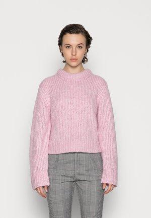 FLASH SWEATER - Strikkegenser - pink
