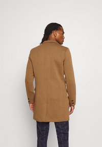Only & Sons - ONSJULIAN KING COAT - Cappotto classico - camel/melange - 2