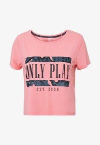 ONLY PLAY Petite - ONPMARIKA SHORT TRAINING TEE - Camiseta estampada - strawberry pink turbulence - 3