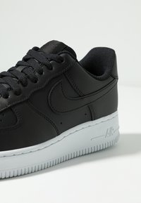 Nike Sportswear - AIR FORCE - Sneakers laag - black/white - 5