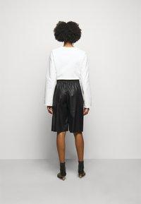 MM6 Maison Margiela - Shorts - black - 2