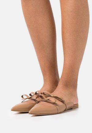 SABOT - Pantofle - cammello