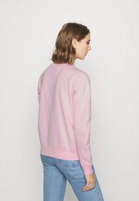 Tommy Jeans - ESSENTIAL LOGO CREW - Sweatshirt - romantic pink - 2