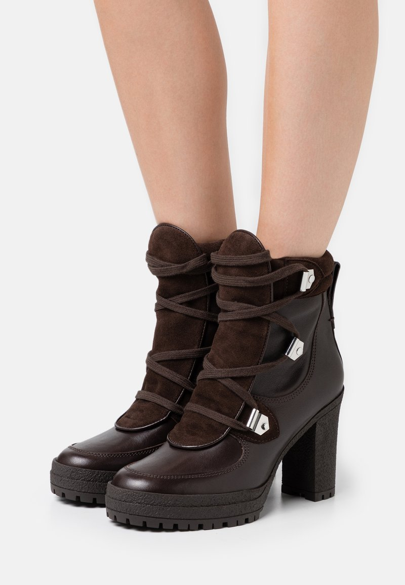 See by Chloé - Kotníková obuv na vysokém podpatku - texan/testa di moro