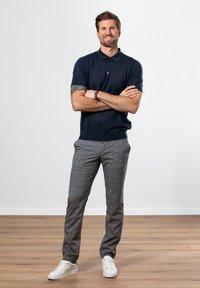 Francesco Fabbri - Polo shirt - dunkelblau - 3