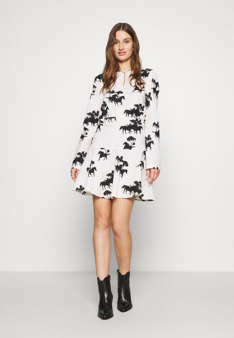 Never Fully Dressed - CREAM FORREST MINI DRESS - Kjole - cream