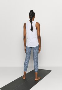 Cotton On Body - STRIKE A POSE YOGA - Leggings - baby blue - 2
