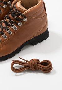 Scarpa - PRIMITIVE UNISEX - Hiking shoes - cognac - 5