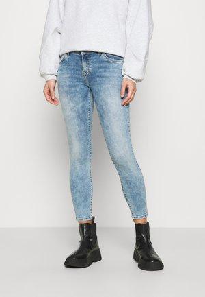 LONIA - Jeans Skinny Fit - reeta undamaged wash