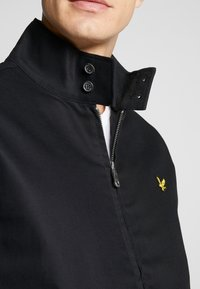 Lyle & Scott - HARRINGTON JACKET - Tunn jacka - jet black - 3