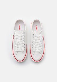 Levi's® - HERNANDEZ - Sneakers - regular white - 5