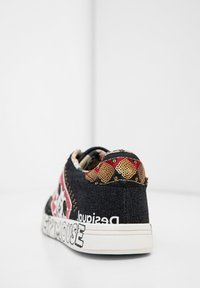 Desigual - MICKEY - Sneakersy niskie - black - 4