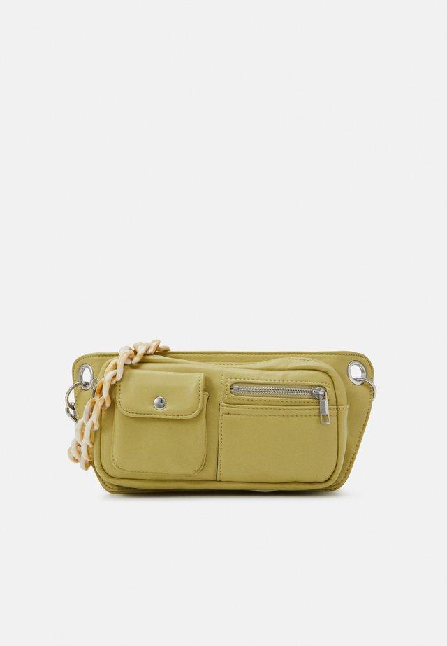 BRILLAY SOFT - Käsilaukku - lime green